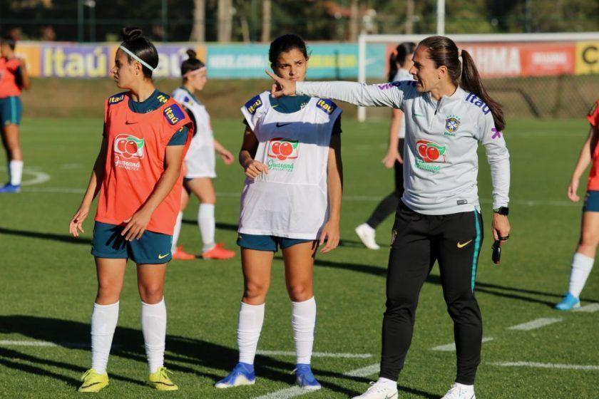 Seleção Feminina Sub-17 faz treino tático na Granja Comary Créditos: Laura Zago/CBF