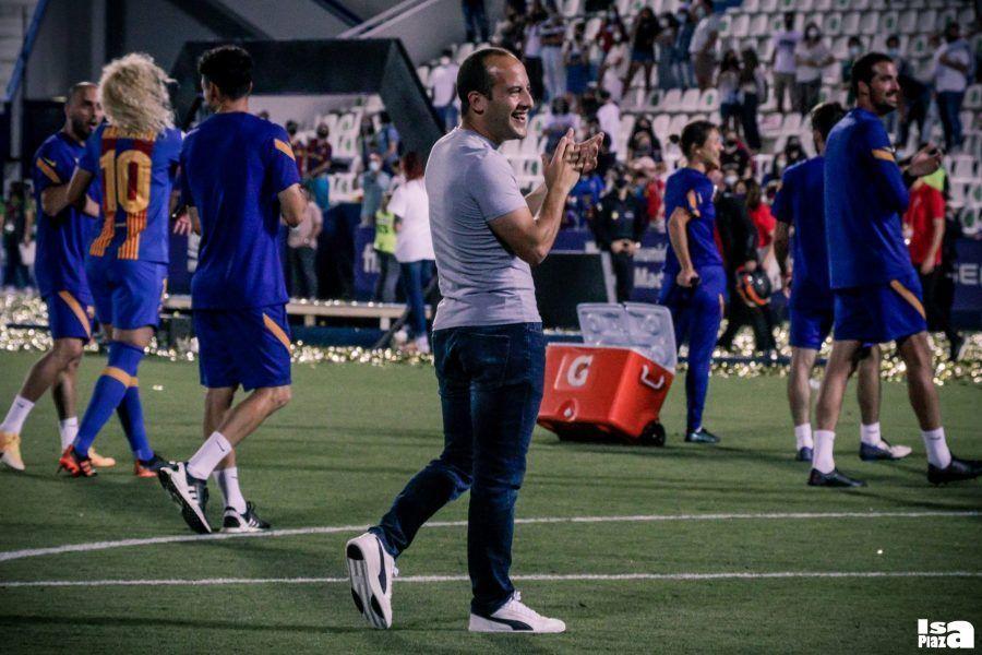 Las aguas están revueltas en Barcelona Lluís Cortés deja el FC Barcelona