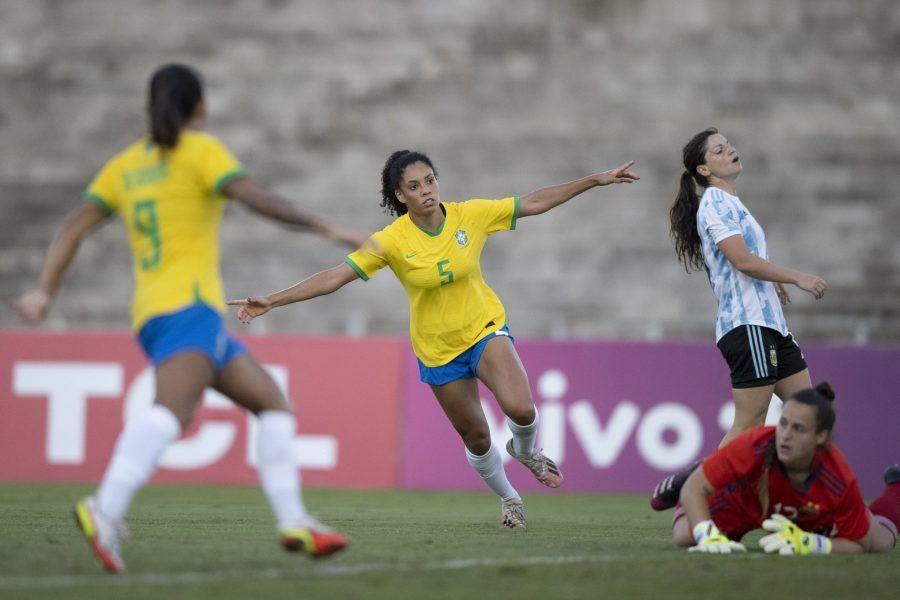 La selección brasileña se enfrentó a Argentina por cuarta vez desde la llegada de Pia y ganó de nuevo, gracias a los con goles marcados por Kerolin, Marta, Debinha y Yasmin.