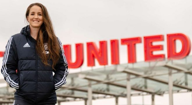 Casey Stoney deja el United - fichaje